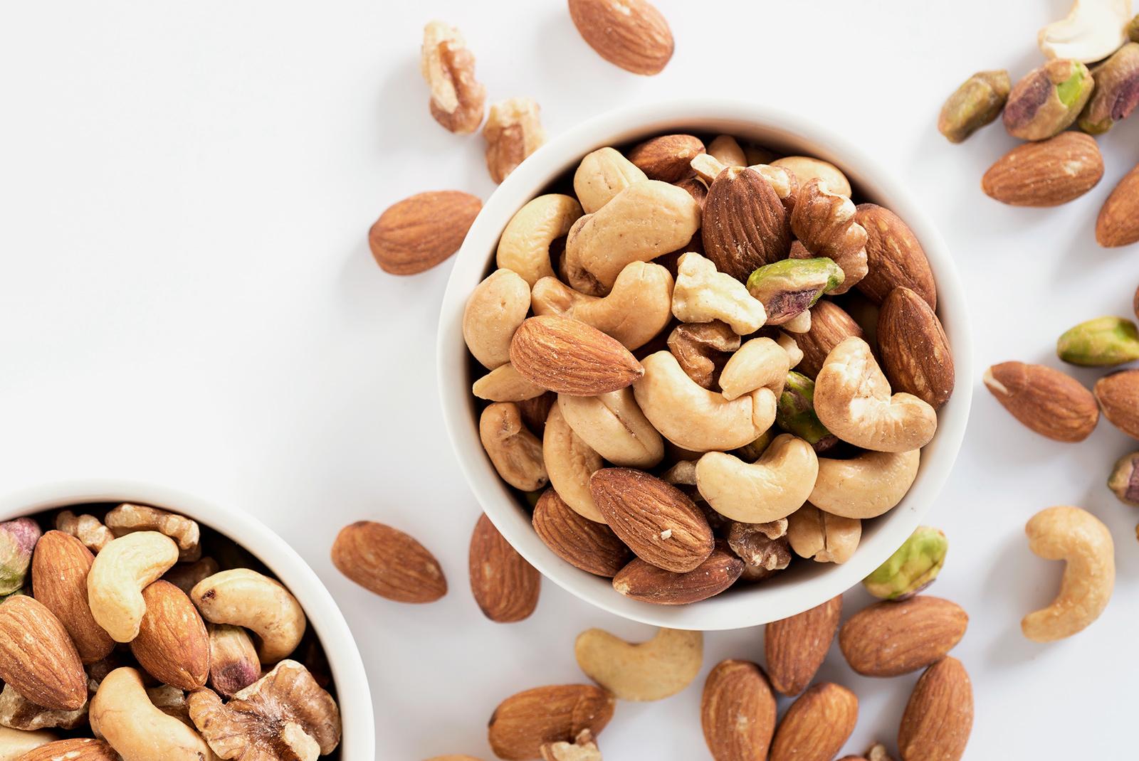 Какие орехи можно давать хомякам?