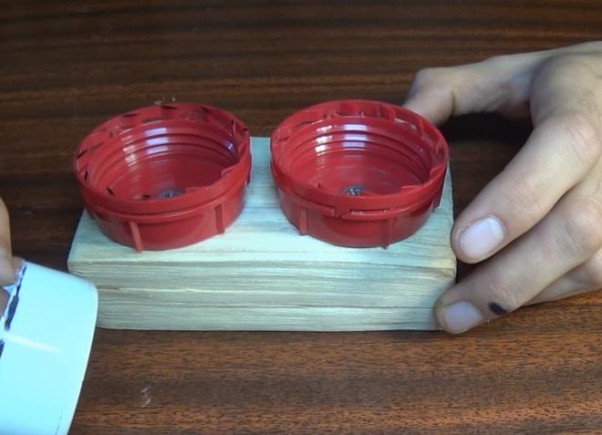Как сделать поилку для хомяка своими руками?